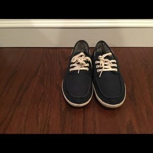 SANUK navy blue canvas sneakers M 7 W 8.5